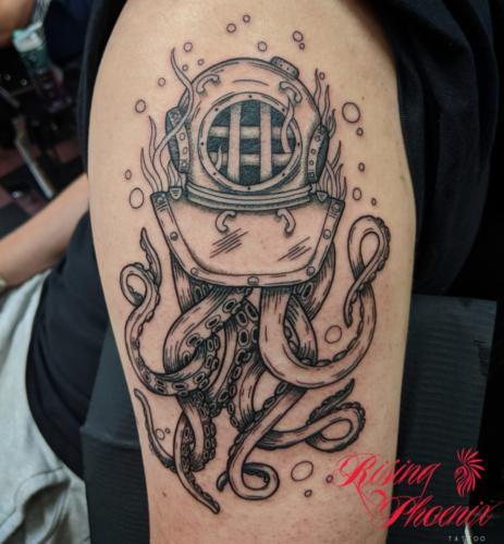 Diving Helmet & Octopus